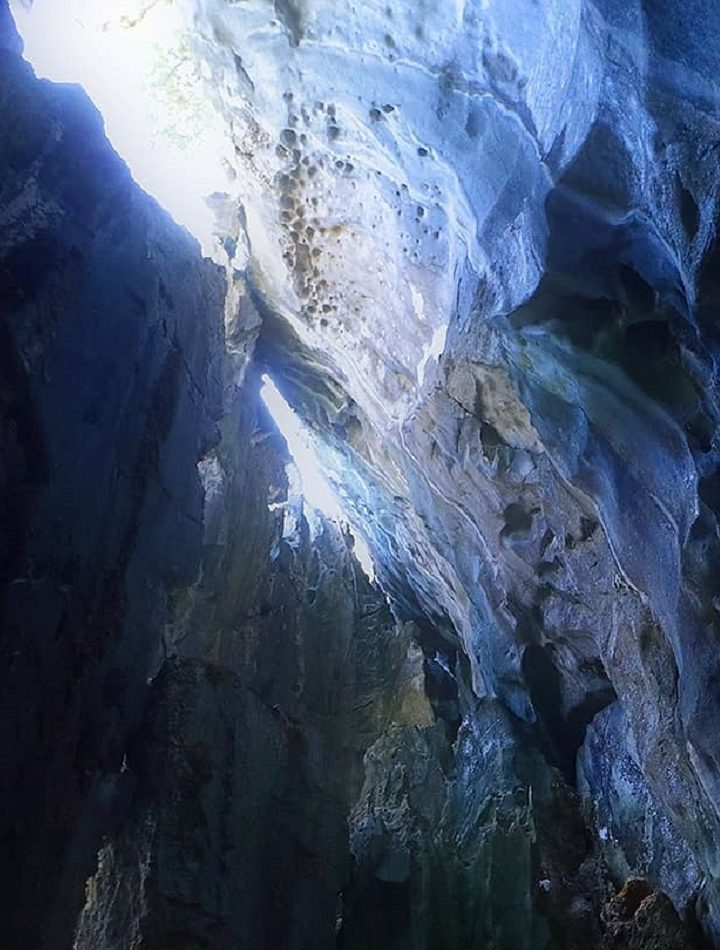 World's Top 5 Tropical Caves To Explore During Vacations
