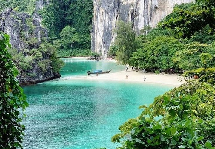 Unforgettable things to experience in Phi Phi Islands